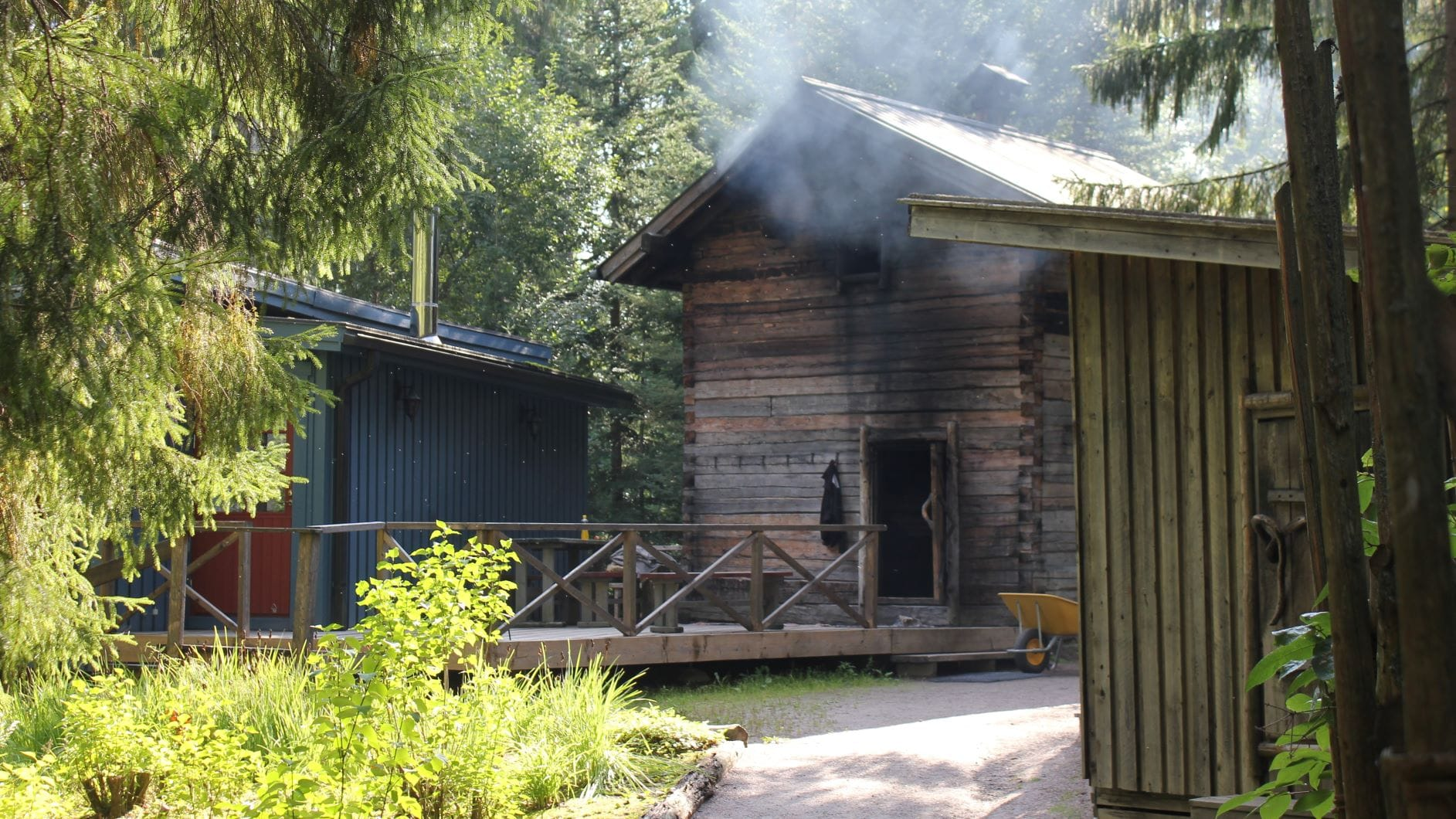 Authentic smoke sauna